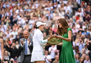 Barty receive the trophy from HRH Duchess of Cambridge